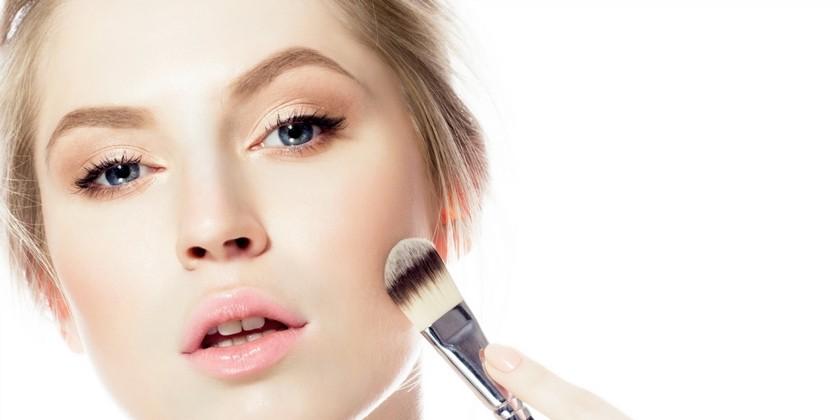 maquillage naturel 6 tapes respecter pour un teint parfait. Black Bedroom Furniture Sets. Home Design Ideas